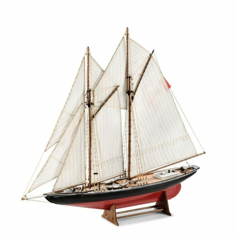 Bluenose 1 Fishing Schooner Amati Model Ship Kit
