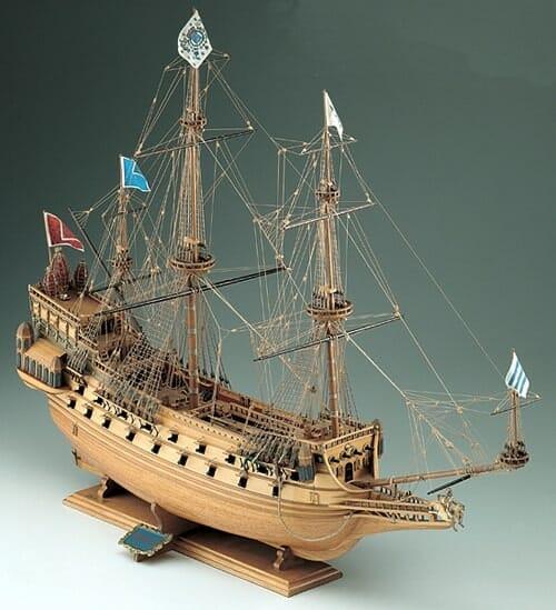 Couronne - Corel Model Ship Kit