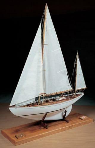 Dorade Yacht Model Kit by Amati